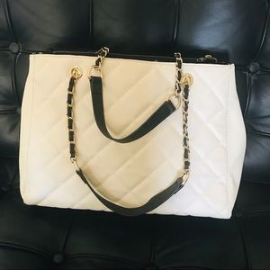Mossimo Cream & black zipper tote bag